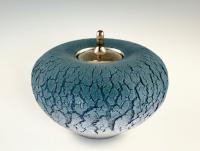 Blauwe bolvaas met platina deksel - Jolanda Verdegaal